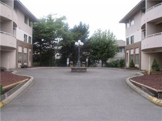 "Photo 2: 204 19128 FORD Road in Pitt Meadows: Central Meadows Condo for sale in ""BEACON SQUARE"" : MLS®# V1095908"