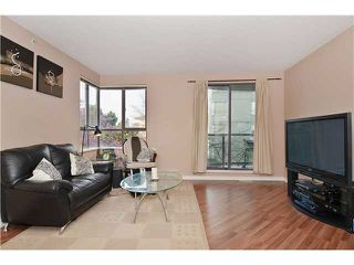 "Photo 2: 309 3455 ASCOT Place in Vancouver: Collingwood VE Condo for sale in ""QUEEN'S COURT"" (Vancouver East)  : MLS®# V1105567"