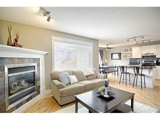 Photo 4: 544 COUGAR RIDGE Drive SW in Calgary: Cougar Ridge House for sale : MLS®# C4003202