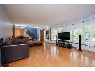 Photo 2: 19 Montcalm Crescent in WINNIPEG: West Kildonan / Garden City Residential for sale (North West Winnipeg)  : MLS®# 1513797