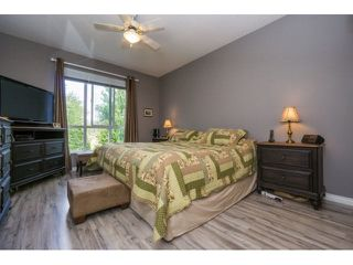 "Photo 11: 424 13880 70TH Avenue in Surrey: East Newton Condo for sale in ""CHELSEA GARDENS"" : MLS®# F1445932"