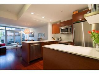 Photo 4: 1231 SEYMOUR Street in Vancouver West: Downtown VW Home for sale ()  : MLS®# V979770