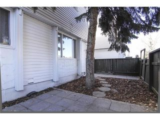 Photo 2: 1 6424 4 Street NE in Calgary: Thorncliffe House for sale : MLS®# C4035130