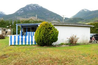 "Photo 4: 29 39768 GOVERNMENT Road in Squamish: Northyards Manufactured Home for sale in ""THREE RIVERS"" : MLS®# R2051629"