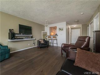 Photo 5: 104 1007 Caledonia Ave in VICTORIA: Vi Central Park Condo for sale (Victoria)  : MLS®# 739752