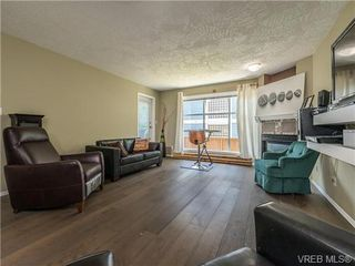 Photo 3: 104 1007 Caledonia Ave in VICTORIA: Vi Central Park Condo for sale (Victoria)  : MLS®# 739752