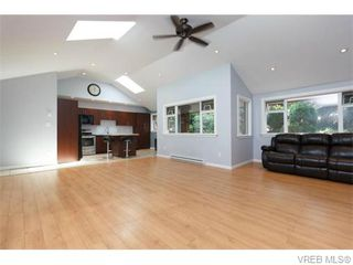 Photo 6: 2864 Wyndeatt Avenue in VICTORIA: SW Gorge Single Family Detached for sale (Saanich West)  : MLS®# 371606