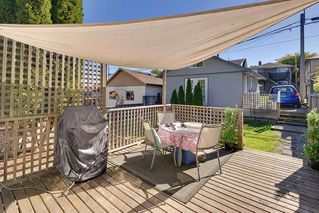 Photo 5: 4236 ETON Street in Burnaby: Vancouver Heights House for sale (Burnaby North)  : MLS®# R2126588