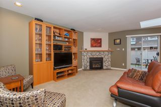 "Photo 9: 6167 W BOUNDARY Drive in Surrey: Panorama Ridge Townhouse for sale in ""LAKEWOOD GARDENS IN BOUNDARY PARK"" : MLS®# R2133410"