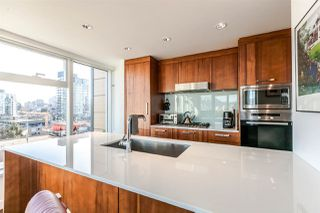 "Photo 11: 1105 1565 W 6TH Avenue in Vancouver: False Creek Condo for sale in ""6th & Fir"" (Vancouver West)  : MLS®# R2138649"