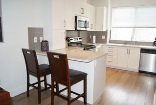 """Photo 4: 30 19477 72A Avenue in Surrey: Clayton Townhouse for sale in """"SUN at 72"""" (Cloverdale)  : MLS®# R2150537"""