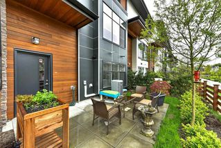 """Photo 3: 40 2687 158 Street in Surrey: Grandview Surrey Townhouse for sale in """"The Jacobsen"""" (South Surrey White Rock)  : MLS®# R2159353"""