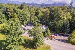 "Photo 3: 12309 240 Street in Maple Ridge: East Central House for sale in ""HACKERS HAVEN Golf Course"" : MLS®# R2172425"