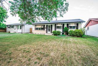 Photo 3: 39 Finestone Street in Winnipeg: Garden Grove Single Family Detached for sale (4K)  : MLS®# 1718386