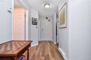 Photo 3: 106 2529 Wark Street in VICTORIA: Vi Hillside Condo Apartment for sale (Victoria)  : MLS®# 381521
