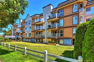 Photo 2: 106 2529 Wark Street in VICTORIA: Vi Hillside Condo Apartment for sale (Victoria)  : MLS®# 381521