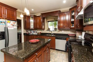 "Photo 5: 14851 71 Avenue in Surrey: East Newton House for sale in ""E. NEWTON/W. SULLIVAN"" : MLS®# R2205640"