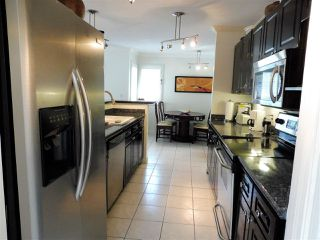 Photo 3: 94 SHORELINE CIRCLE in Port Moody: College Park PM Townhouse for sale : MLS®# R2199076