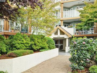 Photo 3: 103 490 Marsett Place in VICTORIA: SW Royal Oak Condo Apartment for sale (Saanich West)  : MLS®# 384788