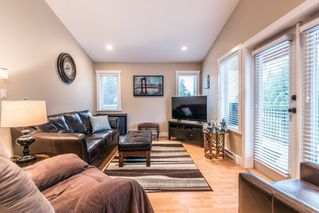 Photo 3: 1002 CYPRESS Place in Squamish: Brackendale House for sale : MLS®# R2232876
