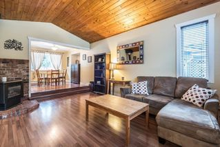 Photo 2: 1002 CYPRESS Place in Squamish: Brackendale House for sale : MLS®# R2232876
