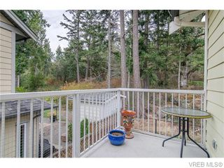 Photo 5: 972 Cavalcade Terrace in VICTORIA: La Florence Lake Residential for sale (Langford)  : MLS®# 370375