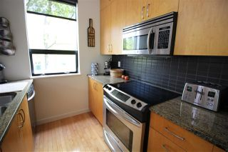 "Photo 6: 680 W 16TH Avenue in Vancouver: Cambie Condo for sale in ""Heather View"" (Vancouver West)  : MLS®# R2265614"