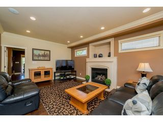 """Photo 4: 20618 98 Avenue in Langley: Walnut Grove House for sale in """"Derby Hill"""" : MLS®# R2268676"""