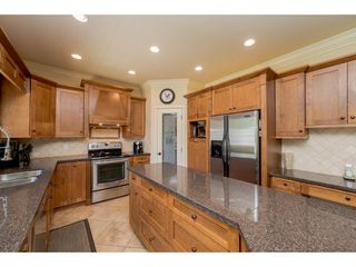"""Photo 7: 20618 98 Avenue in Langley: Walnut Grove House for sale in """"Derby Hill"""" : MLS®# R2268676"""