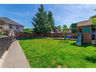 """Photo 17: 20618 98 Avenue in Langley: Walnut Grove House for sale in """"Derby Hill"""" : MLS®# R2268676"""