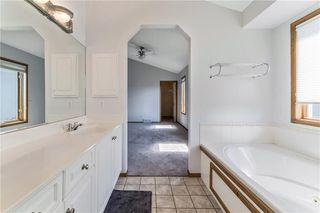 Photo 25: 222 SCENIC VIEW Bay NW in Calgary: Scenic Acres House for sale : MLS®# C4188448