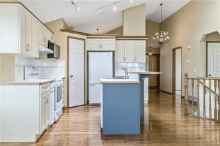 Photo 11: 222 SCENIC VIEW Bay NW in Calgary: Scenic Acres House for sale : MLS®# C4188448