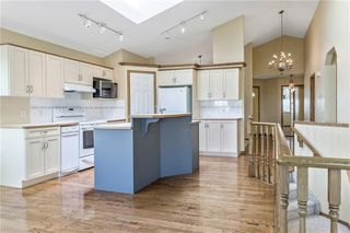 Photo 12: 222 SCENIC VIEW Bay NW in Calgary: Scenic Acres House for sale : MLS®# C4188448