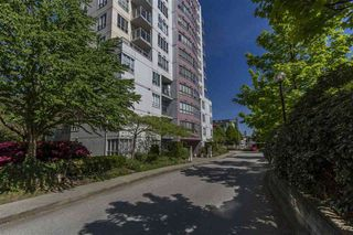 Photo 2: 707 3455 ASCOT Place in Vancouver: Collingwood VE Condo for sale (Vancouver East)  : MLS®# R2287359