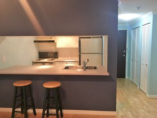 "Photo 7: 303 1510 W 1ST Avenue in Vancouver: False Creek Condo for sale in ""MARINERS POINT"" (Vancouver West)  : MLS®# R2296152"