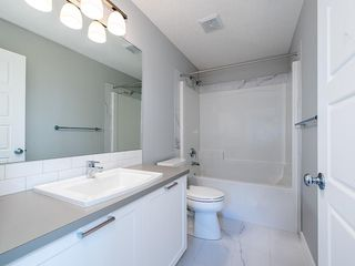 Photo 5: 60 SKYVIEW Circle NE in Calgary: Skyview Ranch Row/Townhouse for sale : MLS®# C4200802