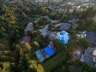 "Photo 12: 1449 SANDHURST Place in West Vancouver: Chartwell House for sale in ""Chartwell"" : MLS®# R2310762"