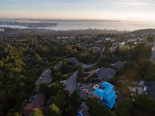 "Photo 14: 1449 SANDHURST Place in West Vancouver: Chartwell House for sale in ""Chartwell"" : MLS®# R2310762"