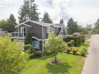 Photo 2: 891 MAPLE Street: White Rock House for sale (South Surrey White Rock)  : MLS®# R2313165