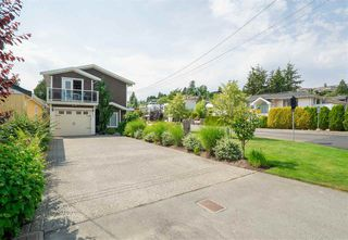 Photo 4: 891 MAPLE Street: White Rock House for sale (South Surrey White Rock)  : MLS®# R2313165