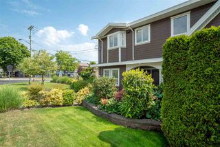 Photo 3: 891 MAPLE Street: White Rock House for sale (South Surrey White Rock)  : MLS®# R2313165