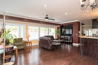 Photo 7: 891 MAPLE Street: White Rock House for sale (South Surrey White Rock)  : MLS®# R2313165