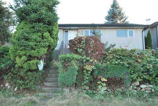 Photo 2: 6158 BERWICK Street in Burnaby: Upper Deer Lake House for sale (Burnaby South)  : MLS®# R2319905