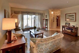 Main Photo: 728 HENDRA Crescent in Edmonton: Zone 14 House for sale : MLS®# E4137443