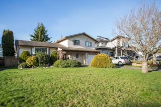 Main Photo: 1551 160A Street in Surrey: King George Corridor House for sale (South Surrey White Rock)  : MLS®# R2326995