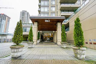 Photo 2: 2403 4250 DAWSON Street in Burnaby: Brentwood Park Condo for sale (Burnaby North)  : MLS®# R2327578