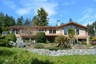 Main Photo: 7065 DALE Road in Sechelt: Sechelt District House for sale (Sunshine Coast)  : MLS®# R2360586