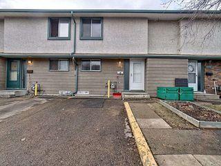 Main Photo: 240 Abbottsfield Road in Edmonton: Zone 23 Townhouse for sale : MLS®# E4152723