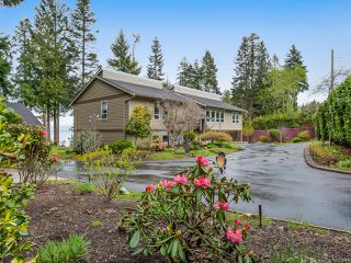 Photo 2: 4651 Maple Guard Dr in BOWSER: PQ Bowser/Deep Bay Single Family Detached for sale (Parksville/Qualicum)  : MLS®# 811715