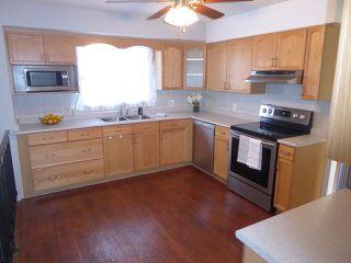 Photo 9: 18408 91 Avenue in Edmonton: Zone 20 House for sale : MLS®# E4156701